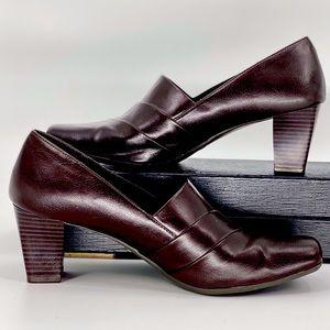 ST. JOHNS BAY-Size 8.5-Brown Slip-on Heels
